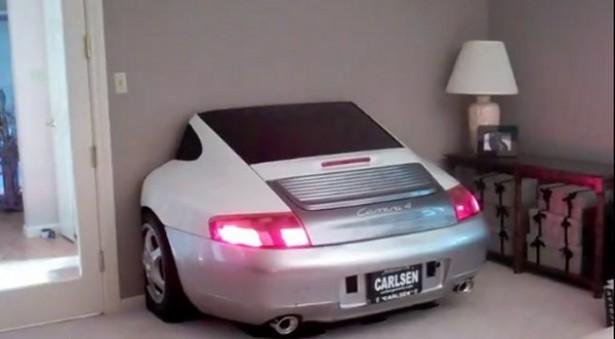TV-meubel voor liefhebbers van Porsche