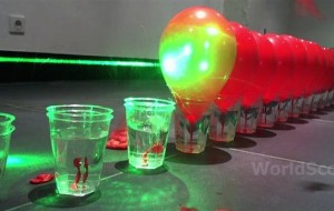 Ballonnen schieten met lasers (2)