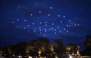 49 verlichte quadrotors breken wereldrecord