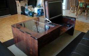 Een computer in een tafel