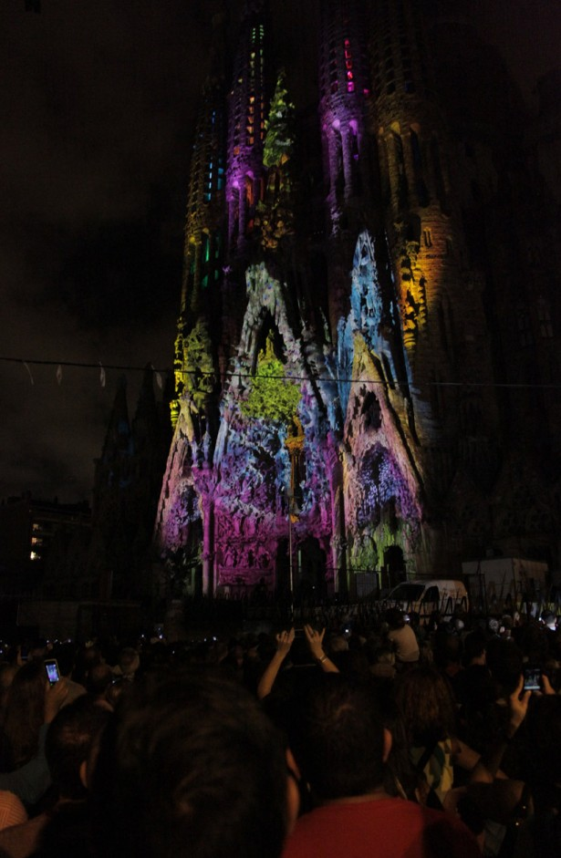projection mapping sagrada familia Projection mapping op de Sagrada Familia
