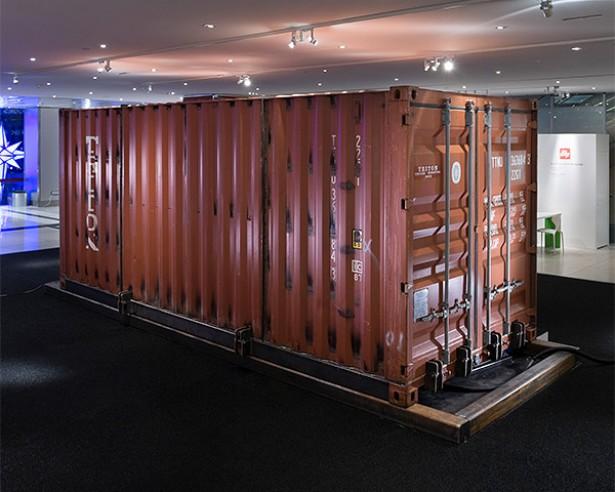 Van container tot huis met n druk op de knop - Huis in containers ...