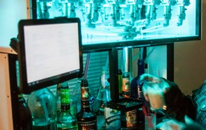 Bartendro robot maakt altijd perfecte cocktails