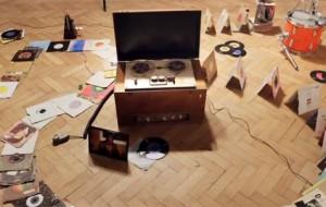 Tof! Een Rube Goldberg machine over de geschiedenis van het opnemen van muziek