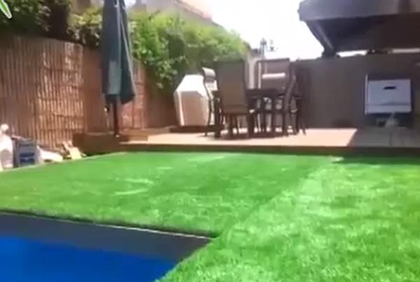 grasveld zwembad Dit grasveld verbergt een zwembad