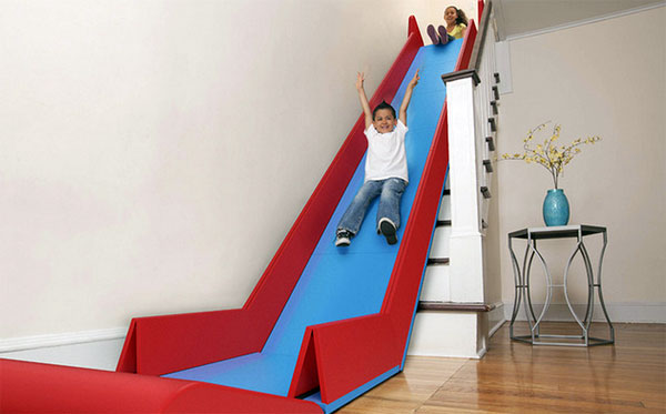 Sliderider tovert iedere trap om in een glijbaan - De trap van de bistro ...