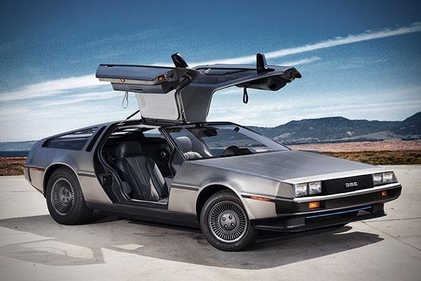 De elektrische DeLorean DMC gaat terug in de tijd