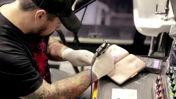 skinbook-tattoo-boek