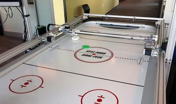 microsoft-air-hockey-robot