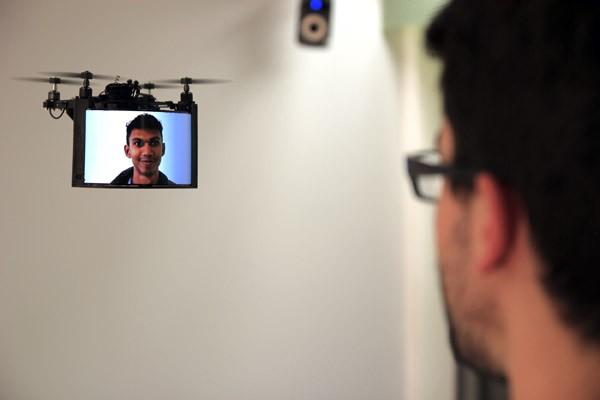 bitdrones-display-video