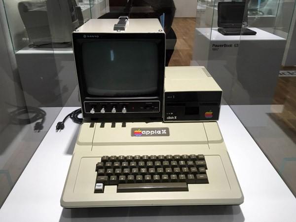 apple-museum-praag2