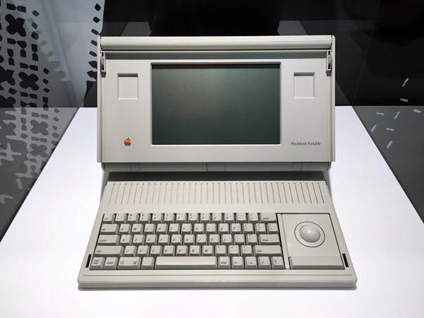 apple-museum-praag3