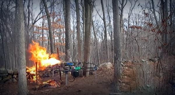 drone-vlammenwerper-video