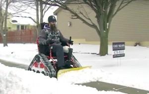 rolstoel-sneeuwschuiver