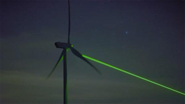 Windlicht: Daan Roosegaarde tovert windmolens om tot lichtshow