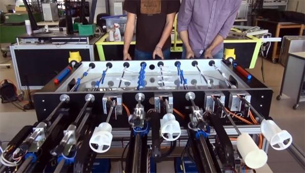 robot-voetbaltafel