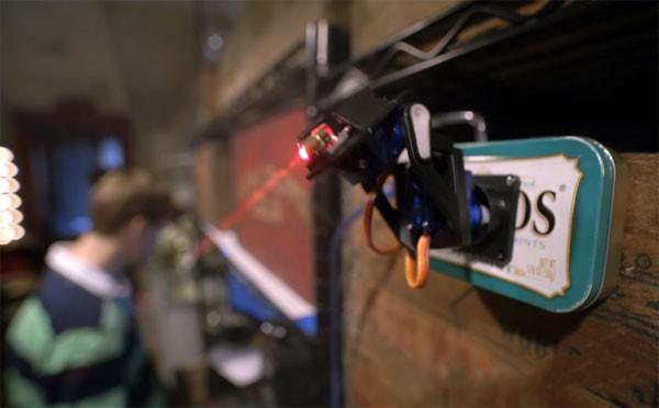 laser-speeltje-kat