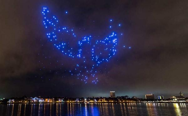 Disney en Intel ontwikkelen een lichtshow met drones