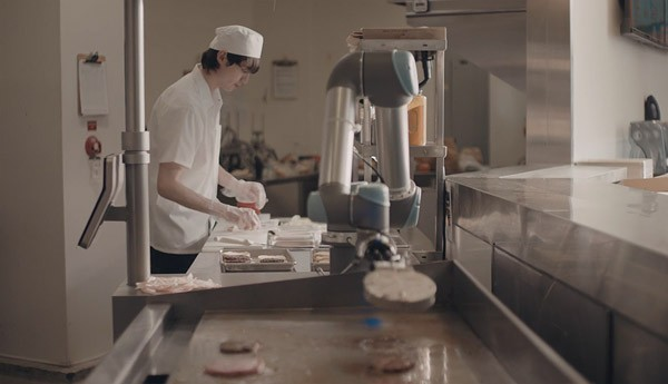 Flippy: de robot die hamburgers bakt