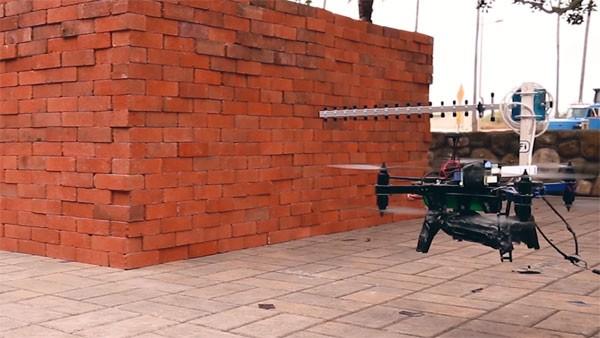 Wetenschappers kijken door muren met drones en Wi-Fi