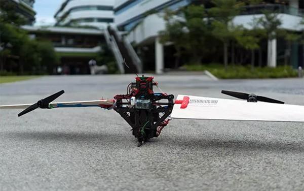 Thor: een drone die in de lucht wisselt tussen vliegtechnieken