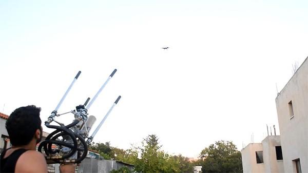 DIY-er bouwt eigenhandig een anti-drone wapen
