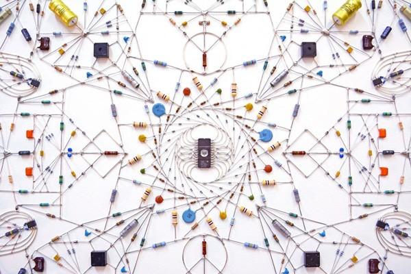 De technologische mandalas van Leonardo Ulian