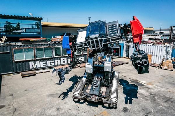 Dit is de gigantische robot waarmee de VS tegen Japan gaat vechten