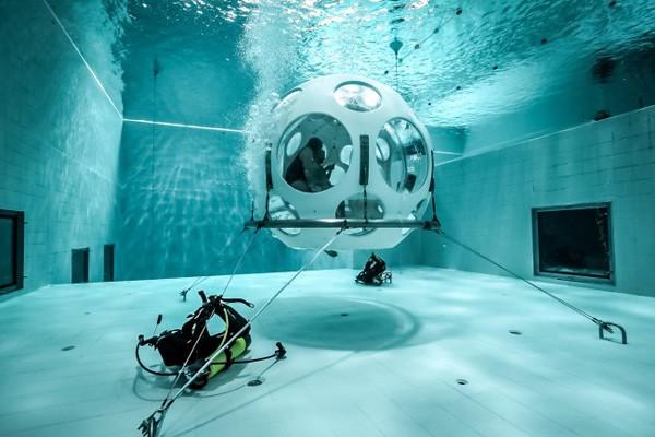 In Brussel kun je eten in een onderwaterrestaurrant