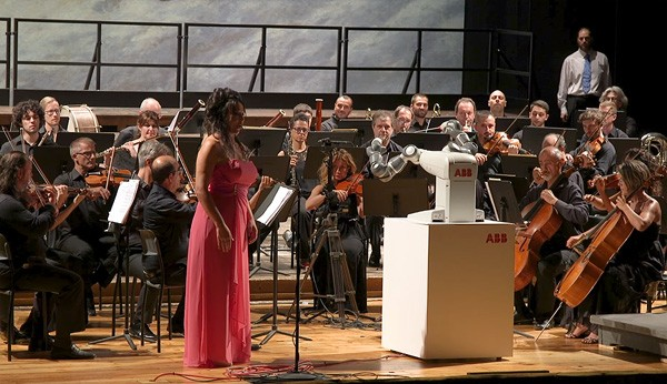 yumi-robot-dirigent