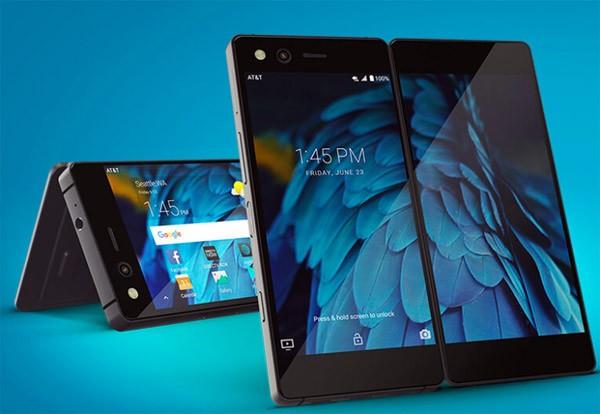Deze smartphone heeft twee schermen die je kunt opvouwen