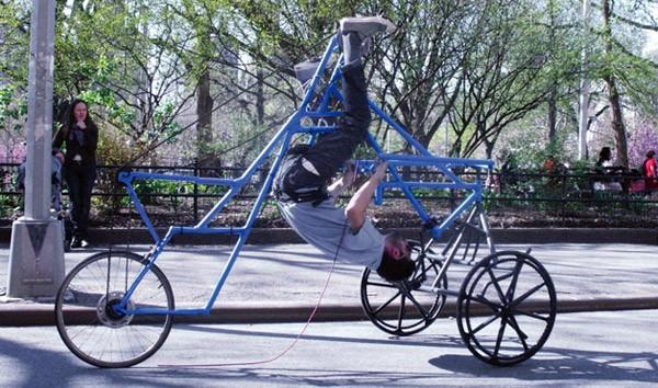 Skybike: fietsen op zijn kop