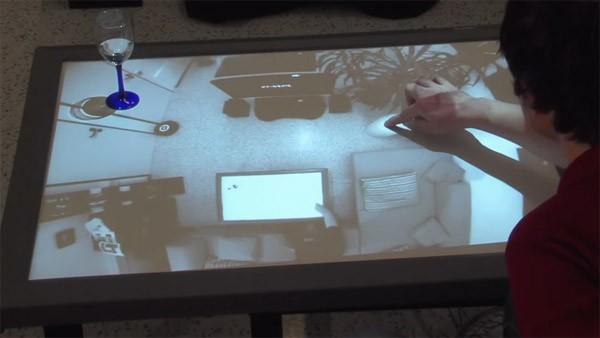 Cristal: bestuur je woonkamer met een touchscreen