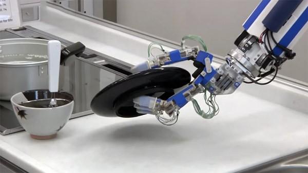 Panasonic's nieuwe robot doet de afwas