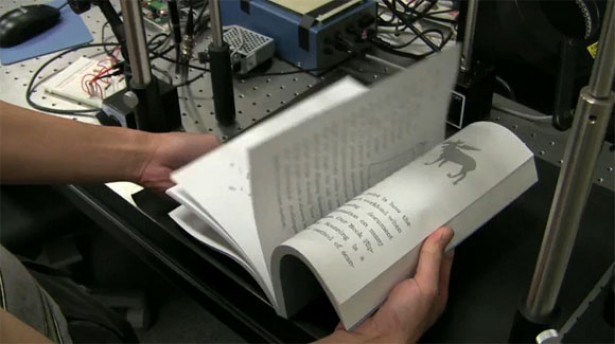 Extreem snelle scanner scant 200 pagina's per minuut