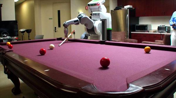 Robot speelt pool als een professional