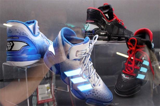 Sneakers Met Licht : Adidas tron schoenen geven licht freshgadgets