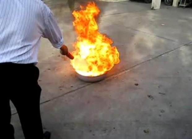Brandblusser ter grootte van een afstandsbediening