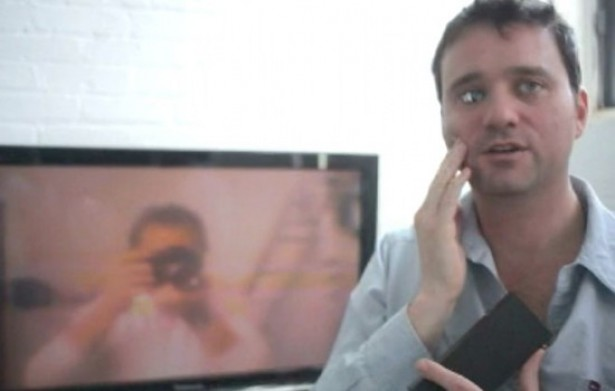 Filmmaker bouwt camera in zijn oogkas