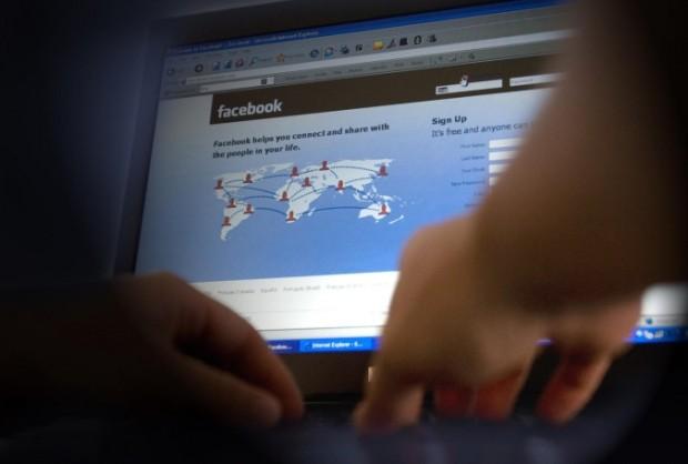 Handige site vermomt Facebook als Excel-sheet