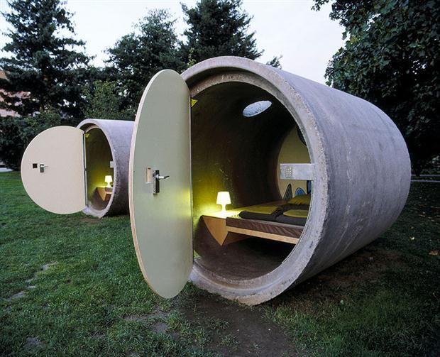 Hotel gemaakt van rioolbuizen