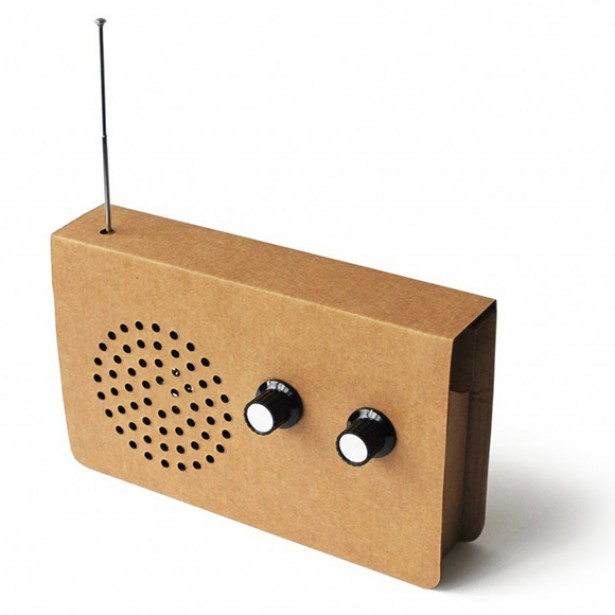 Radio van karton