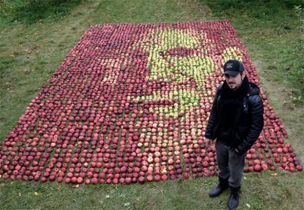 Portret van Steve Jobs gemaakt van appels