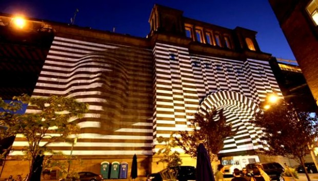 Projectie op de Manhattan Bridge (2)