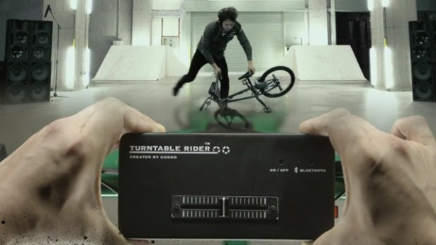 BMX met draaitafels en crossfader