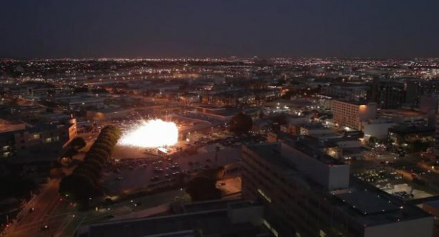 Kunstenaar laat 40.000 raketten ontploffen