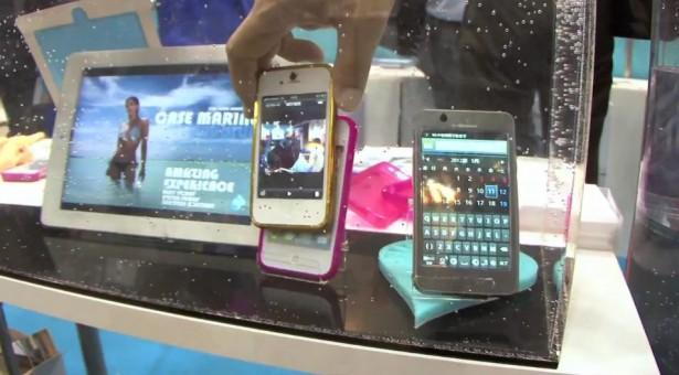 Ultradun hoesje maakt smartphones waterdicht