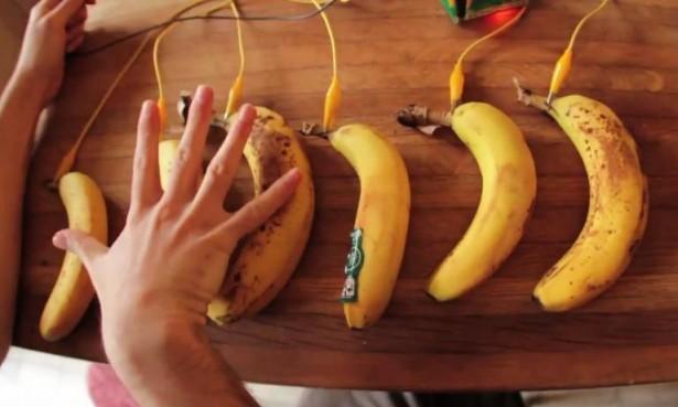 Makey Makey maakt van alles een touchpad