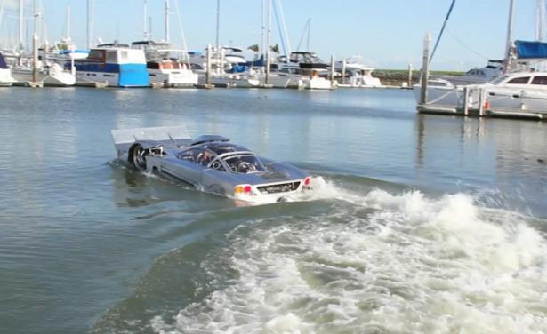 Amfibievoertuig voor snelheidsduivels
