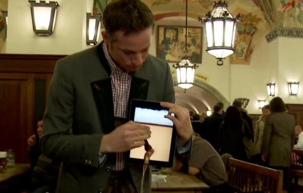 Goochelen met een iPad en bier